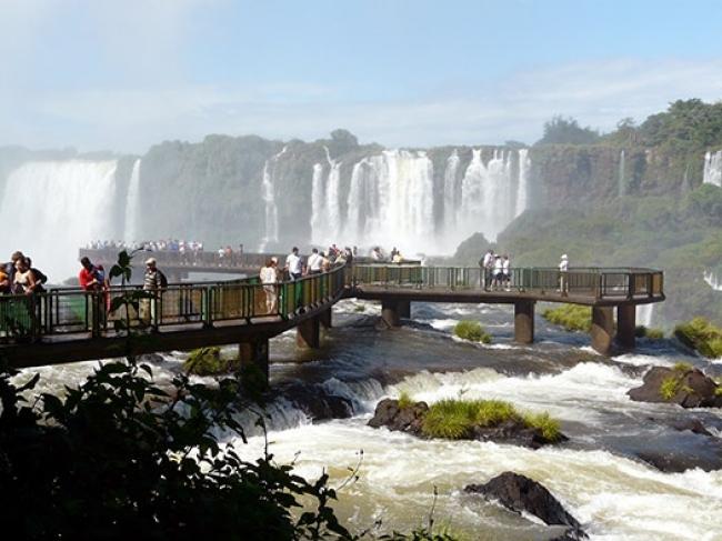 Viaje a las Cataratas del Iguazu en hotel 3 estrellas - Viajes por Argentina